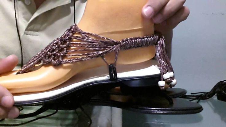 Sandalias hechas con macrame