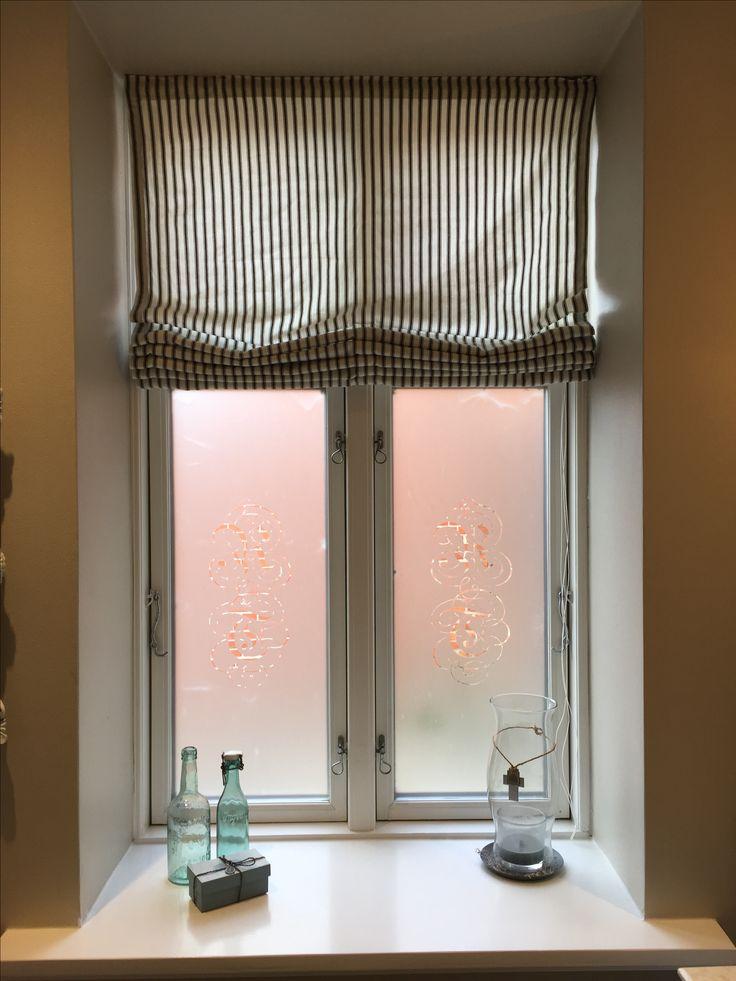 Stribet liftgardin på vores badeværelse ❤️ Homemade by me