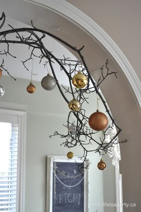 Rustic Mixed Metals Christmas Home Tour: Tour a house all dressed with beautiful mixed metals for Christmas.  Inspiration to mix gold, silver, copper, and brass this year.