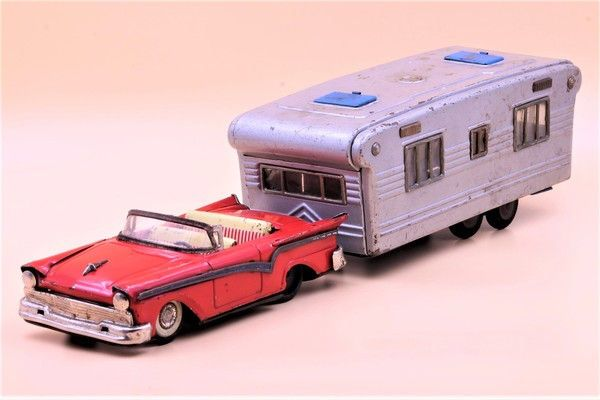 HAJI 1957 Ford Convertible and SSS Camper, Vintage Japan Tin toy car, Japanese tin car by TintageCars on Etsy https://www.etsy.com/listing/519201757/haji-1957-ford-convertible-and-sss