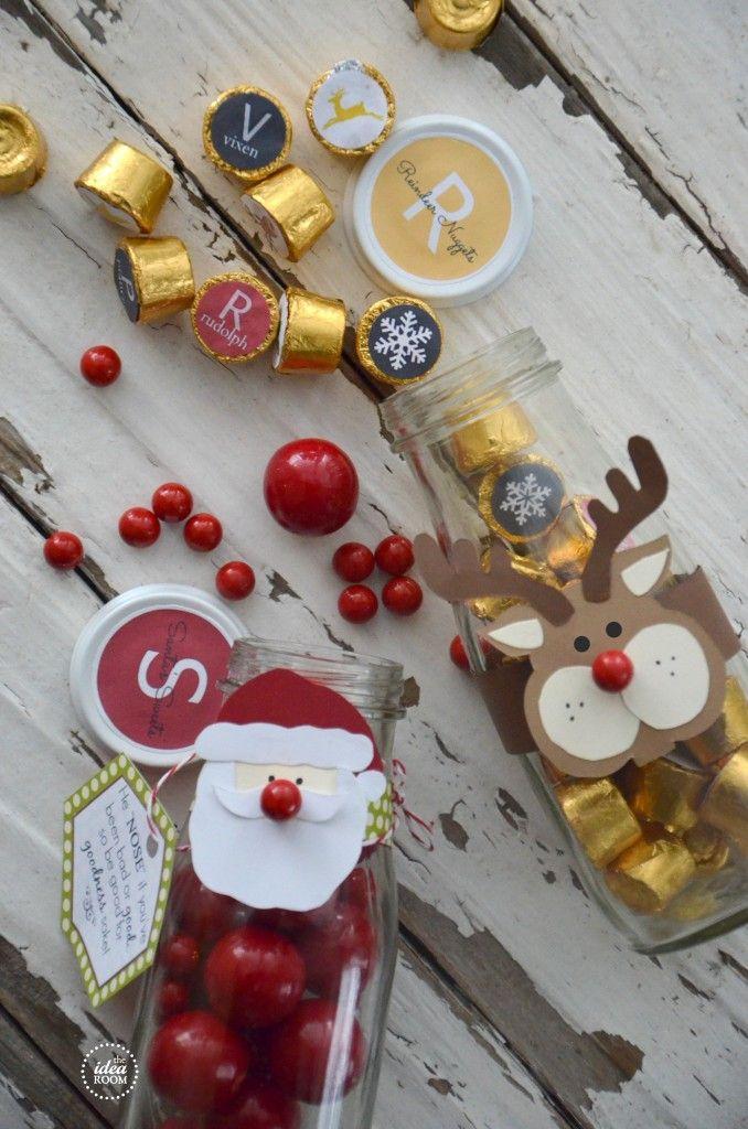 Free download printable for Santa or reindeer candy bottle gift.  #freeprintable #santa #quickgift #easygift