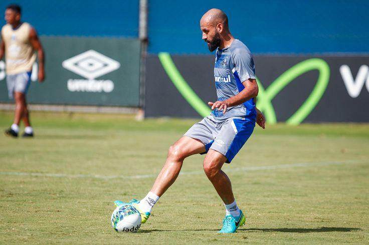 Cinco meses após último jogo oficial, Bruno Rodrigo estreia pelo Grêmio #globoesporte