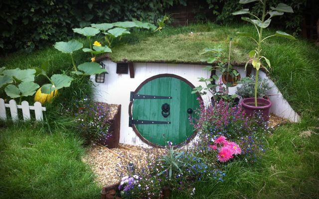 17 meilleures id es propos de maisons de hobbit sur for Se construire une maison