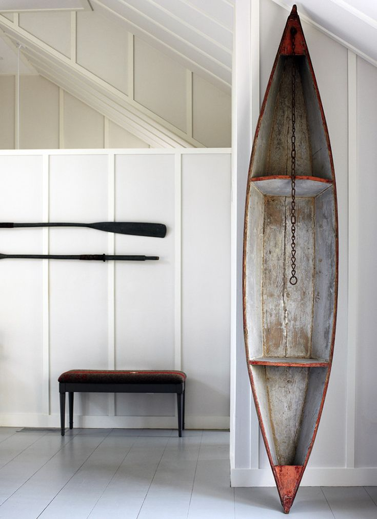 Source: bungalowclassic. And why not? Finns have rustic cross-country skis, oars and paddles on their walls. Amongst other things. Be creative. I have a Fiskars iron shovel.