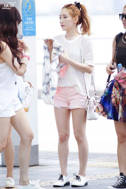 #SNSD #Taeyeon | Korean Stars / Airport Fashion / Casual Style / | Pinterest | SNSD Airport ...