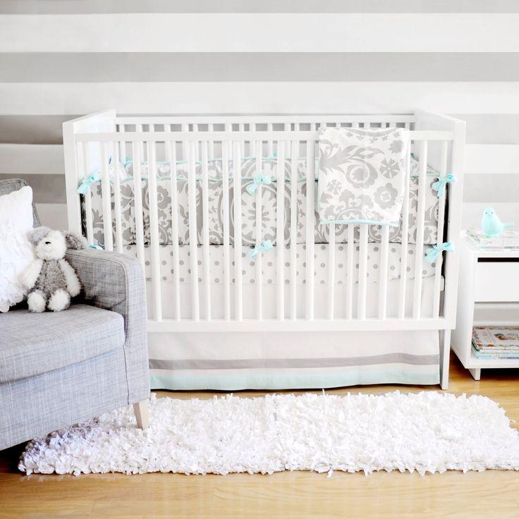 Бортики в кроватку для новорожденных: 75+ избранных идей для безопасного и комфортного отдыха малыша http://happymodern.ru/bortiki-v-krovatku-dlya-novorozhdennyx-foto/ бортики в кроватку для новорожденных: фото - светло-серые бортики с завязками в мятном цвете