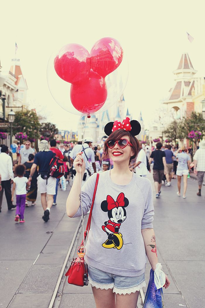 If I must go to DisneyWorld this year, I think I should wear this outfit.