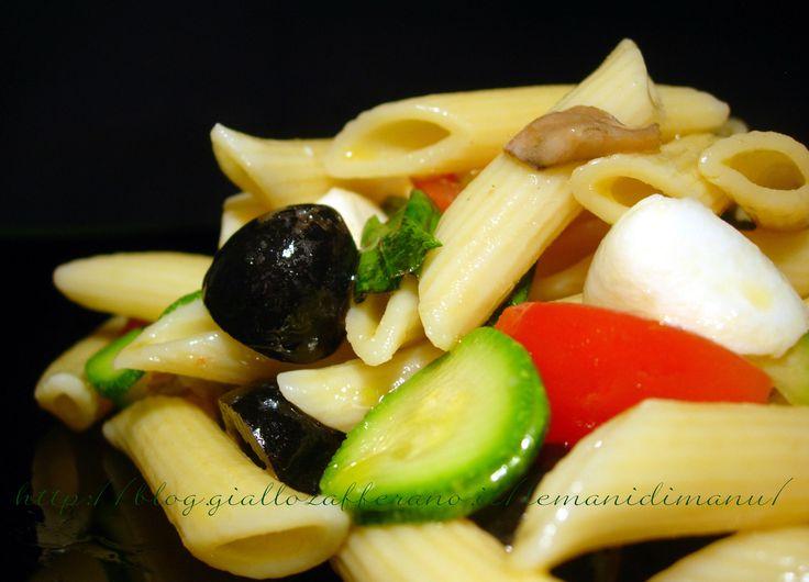 Insalata di pasta mediterranea, Ricetta pasta fredda http://blog.giallozafferano.it/lemanidimanu/insalata-di-pasta-mediterranea-ricetta-pasta-fredda/