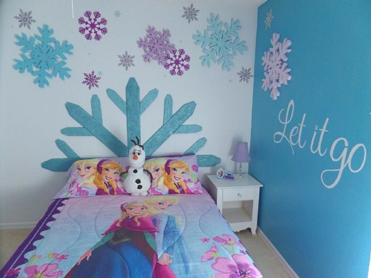d 233 co chambre enfant sur le th 232 me de quot la reine des neiges 11568 | f546043c3393dc6bb258b010d733447e frozen girls bedroom frozen bedroom decor
