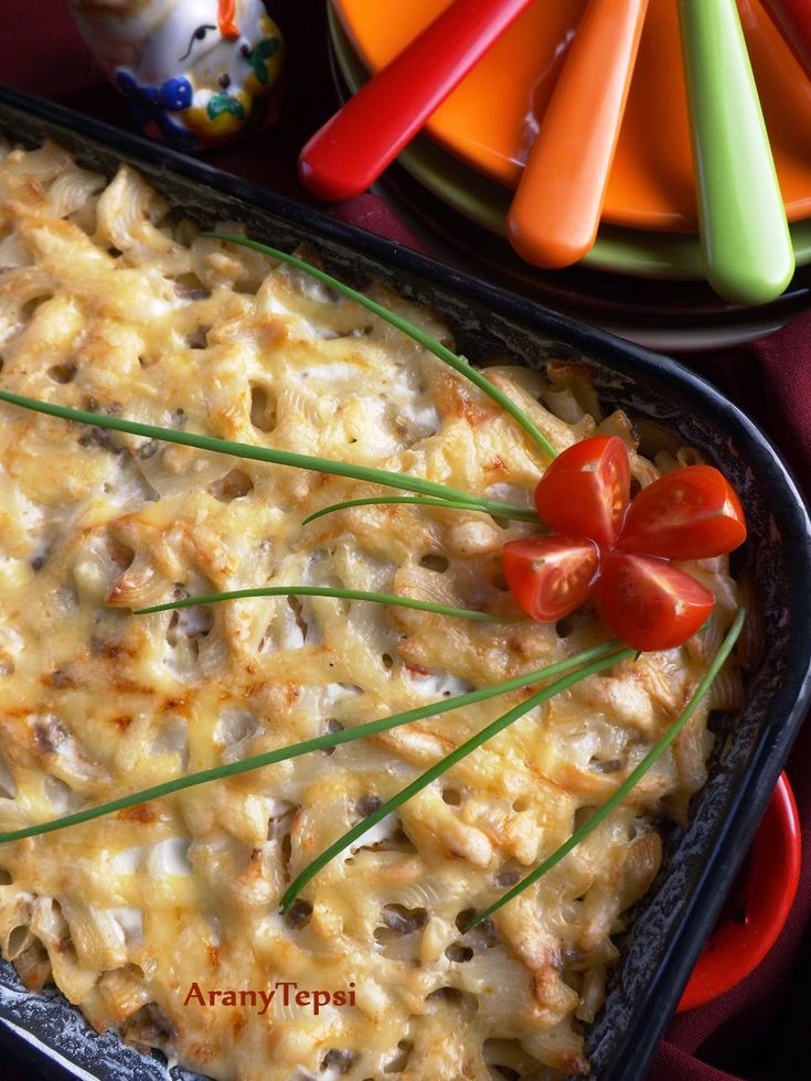 AranyTepsi: Húsos tészta tepsiben sajttal, tejfölösen
