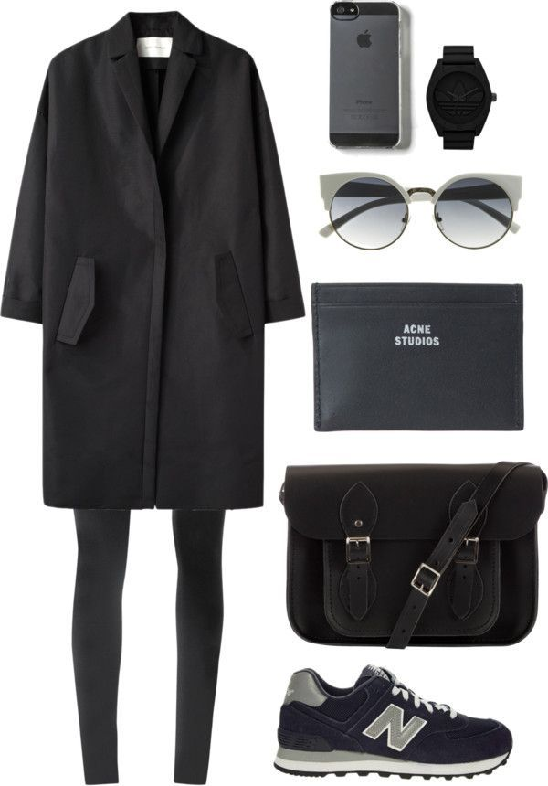 All black sporty-ish winter minimal outfit