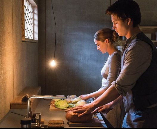 Tris and Caleb in Abnegation | Books & Movies | Pinterest ...