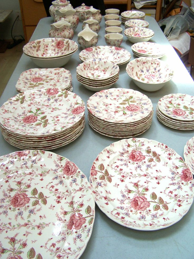 Johnson Brothers China Rose Chintz <3 <3 <3