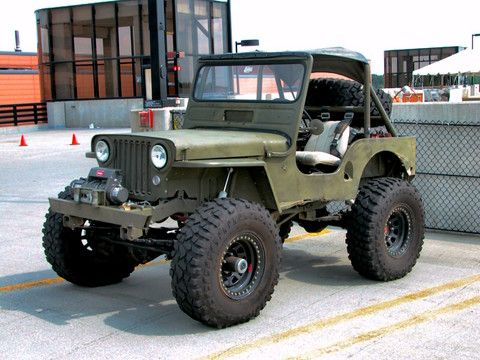 Picture of a 1946 Willys-Overland Jeep CJ-2A Olive Drab fvl (2005 WW@WD DCTC) DSCN7434 in the Motorbase gallery of car pictures.