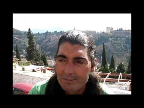 ALBAYZIN El Famoso Barrio Árabe Y Los Cantantes Del Mirador GRANADA 2012mp4