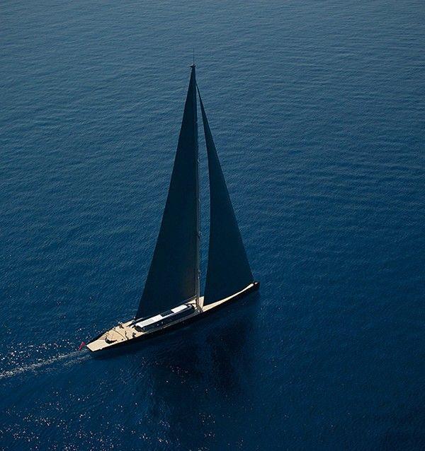Ce yacht à voile de 66m est une véritable œuvre d'art flottante réalisée par Vitters Shipyard.