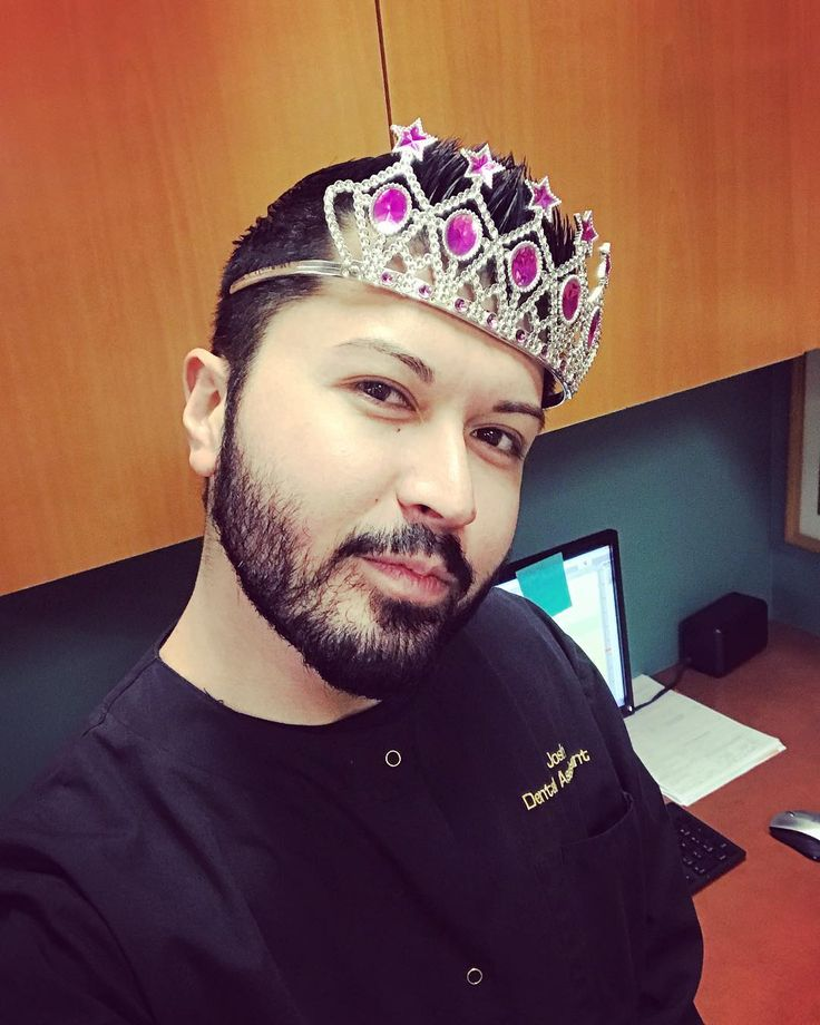 Serving you tooth fairy realness  #selfie #gayboy #gay #gayswithbeards #dentalassistant #work #workflow #toothfairy #showmeyourteeth