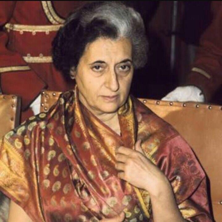 #IndiraGandhi in a #benarasi #baluchari. #IndianTextiles #Handwoven #Kolkata #WeaversStudio #DarshanShah