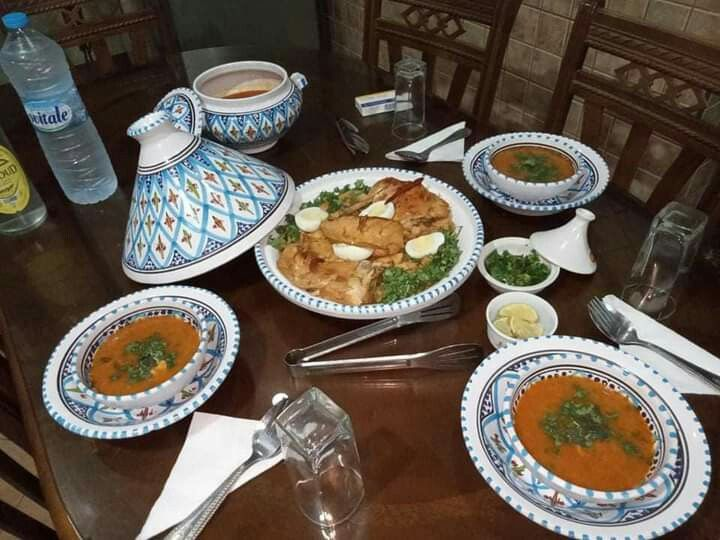 Table Algerienne طاولة أكل جزائرية Table Table Settings