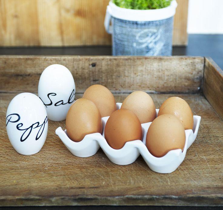 Eggs Salt and Pepper Set