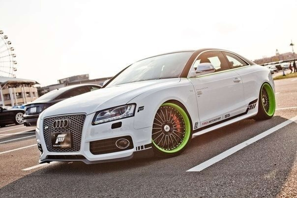 Audi R5, not sure about the rims
