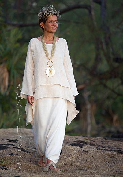Tunique courte destructuré en voile de lin beige et sarouel jupe blanc