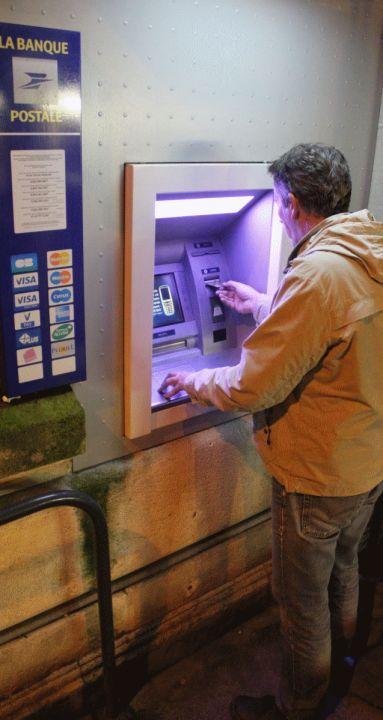 Charente : la nuit où le distributeur de billets s'est montré trop généreux