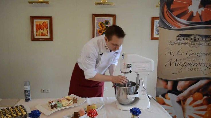 Zila Tortaforma Bemutató a Zila Kávéházban