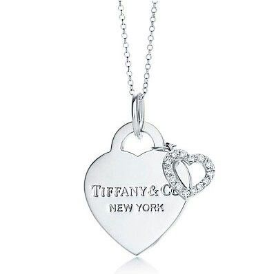 Tiffanys Necklace, I want something small and simple like this to wear everyday.