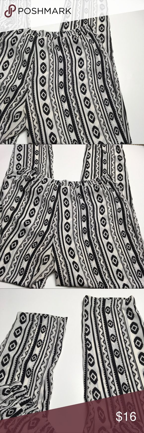 Aztec Pants ❤️ These are so cute!! Very comfortable. Stretchy waist. Great condition. Please ask any questions. Love Stitch Pants