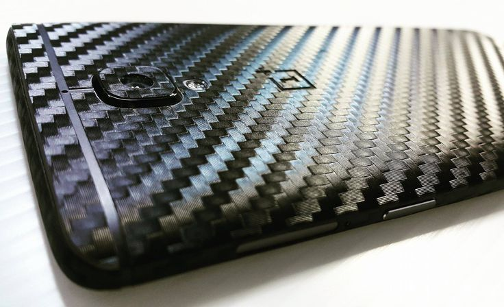 Folii Carbon 3M Black Oneplus 3. Your personality device! You can have a phone as new no matter how old, used or broken it is. Give it another look with Silver Metallic Series Design Skin Material 3M. FREE APPLICATION. www.24gsm.ro / 0728428428 / 24gsm