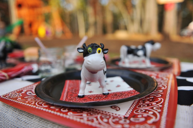Barnyard Party Place Setting.
