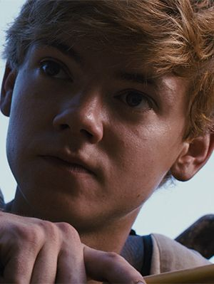 newt from the maze runner | Thomas Brodie-Sangster The Maze Runner Interview, Newt Character Q&A ...