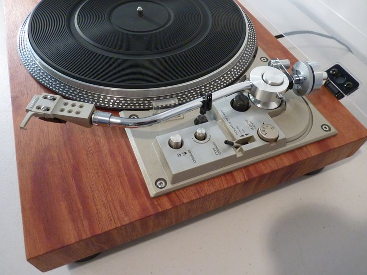 Pioneer PL-518 turntable - restored with real wood veneer
