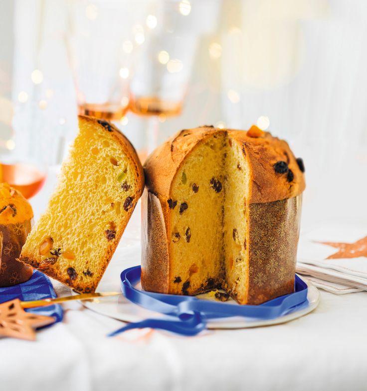 En exclusivité pour Noël! A l'heure du thé, du petit déjeuner ou du goûter des enfants, découvrez cette belle brioche traditionnelle italienne. Pur beurre avec ses raisins secs, ses fruits confits et ses zestes d'agrumes, elle est présente sur toutes les tables italiennes à Noël et le sera bientôt sur la vôtre.