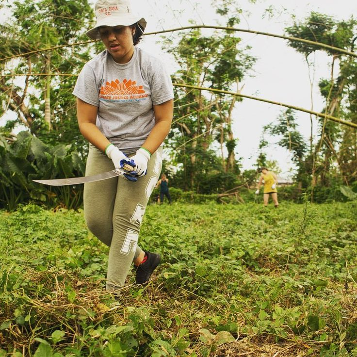 Take a glimpse inside Puerto Ricos recovery from #HurricaneMaria. Here Monica Mahecha from @cjaourpowercampaign weeds the garden at Proyecto Rizoma an urban farm in the heart of San Juan. Prior to Maria Puerto Rico had to import more than 80% of its food. After the hurricane thats up to almost 100%. Greenpeace has partnered with the #OurPowerPR campaign and #OrganizacionBoricua to bring sustainable farming supplies to the island and help Puerto Ricans achieve food sovereignty and a…