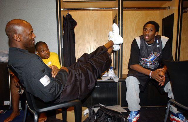 Rare Photo: Michael Jordan Talks to Young Kobe Bryant Before the 2002 NBA All-Star Game