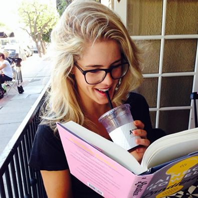 Emily Bett Rickards reading a Rainbow Rowell book. #weneedtobefriends