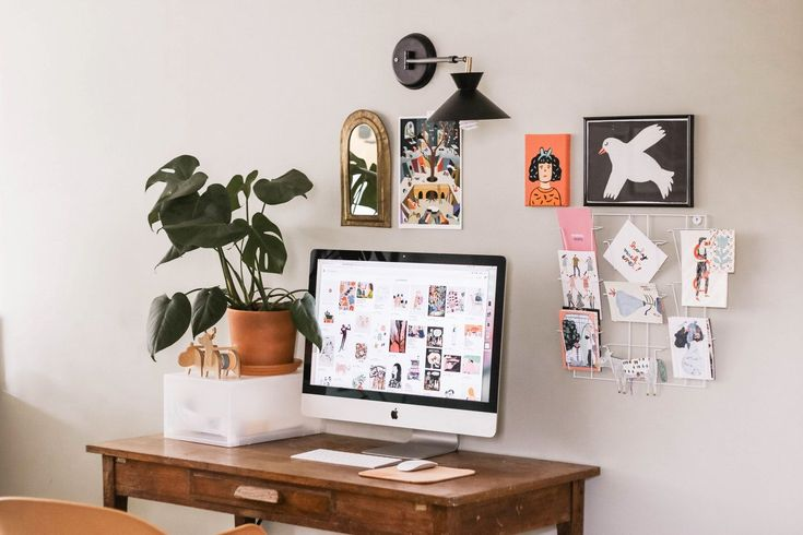 Working over the weekend?  Let this home office corner give you a solid dose of motivation!  #homeoffice #homedecor #interiordesign #architecture