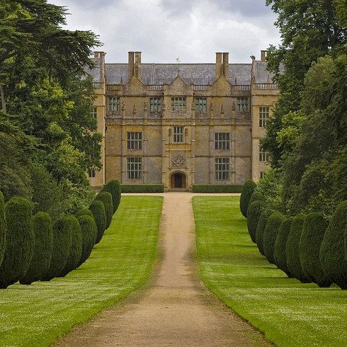 Montacute House, Somerset | 24 Breathtaking British Wedding Venues