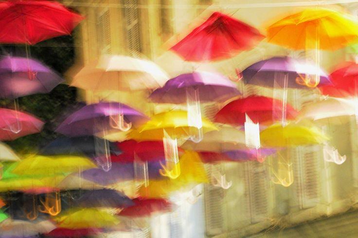 Piovono ... ombrelli...