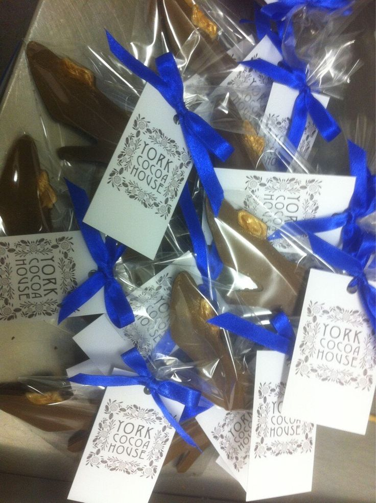 A special gift of Chocolate Shoes for the Cordwainers of York.  Photos and videos by York Cocoa House (@YorkCocoaHouse)   Twitter
