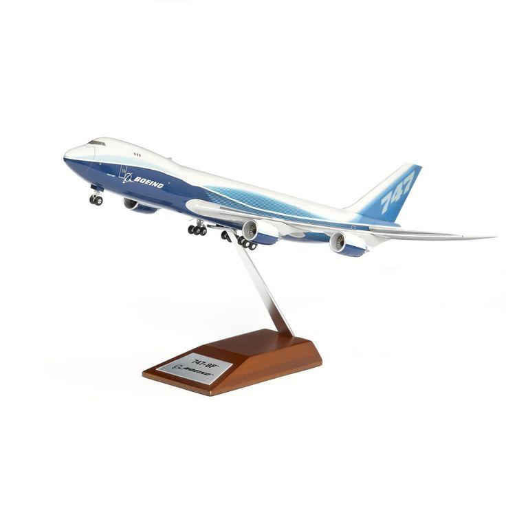 Boeing 747-8 Freighter Snap-Together Model 1:200 | Fallon Aviation Pilot Shop