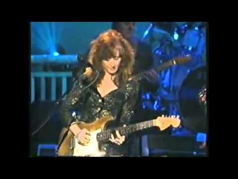 B.B. King and Bonnie Raitt - Night Life .. I so love sexy blues and no one can do it better than these two!!