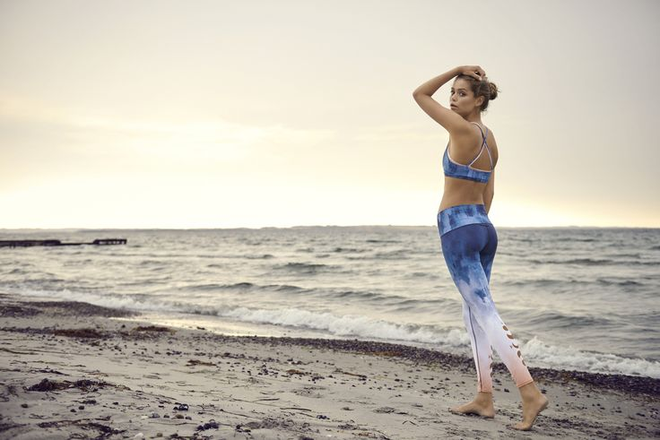 Moonchild Yoga Wear leggings have a unique and comfortable fit. These leggings are equally perfect for yoga, fitness and running | Shop at goyogi.dk