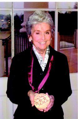 Red Dot Design Award: Florence Knoll Bassett Honored at the White House