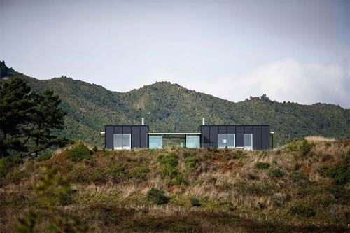 Pekapeka Beach House, Holiday House Design by Parsonson Architects