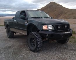 2001 Ford F-Series Green Monster Prerunner by Foxhound_22 http://www.truckbuilds.net/2001-ford-f-series-green-monster-prerunner-build-by-foxhound-22