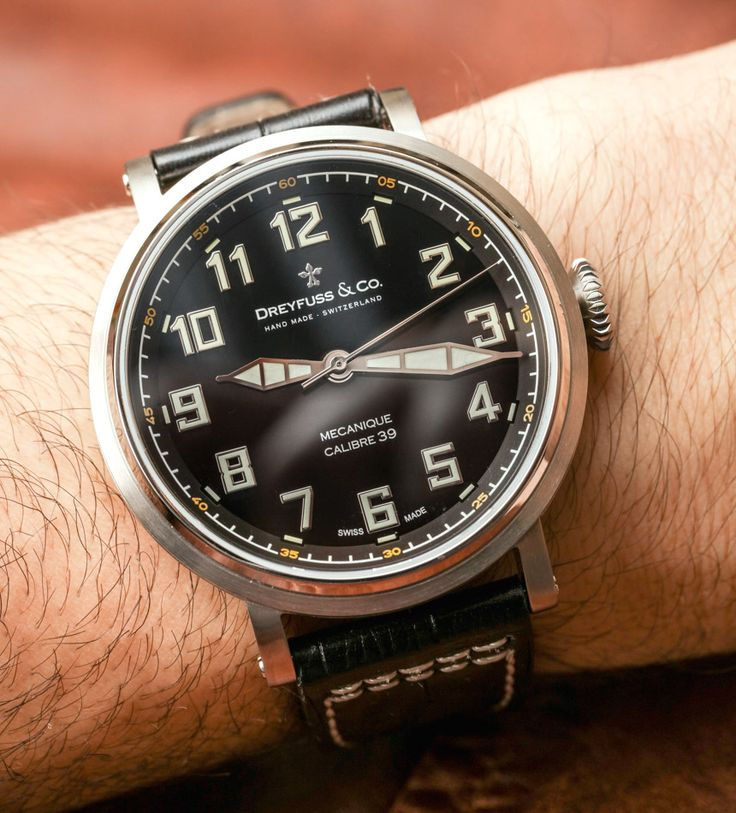 Latest wrist time review covers the Dreyfuss & Co. Series 1924 Calibre 39. A limited edition of 250 pieces this vintage-pilot-style watch also comes at a more accessible price point...