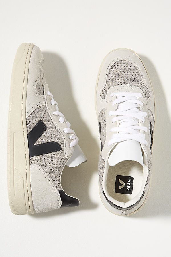 Veja V-10 Flannel Trainers In White